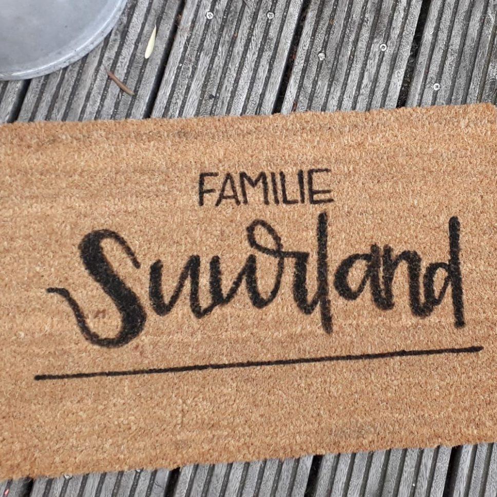 deurmat met je eigen tekst familie suurland