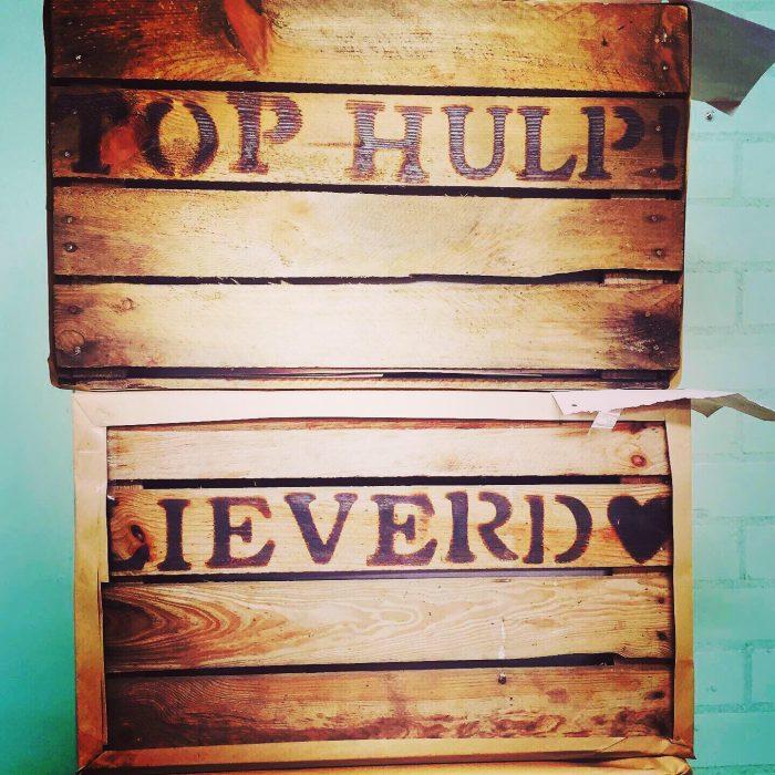 vintage houten krat met je eigen tekst liefslabel