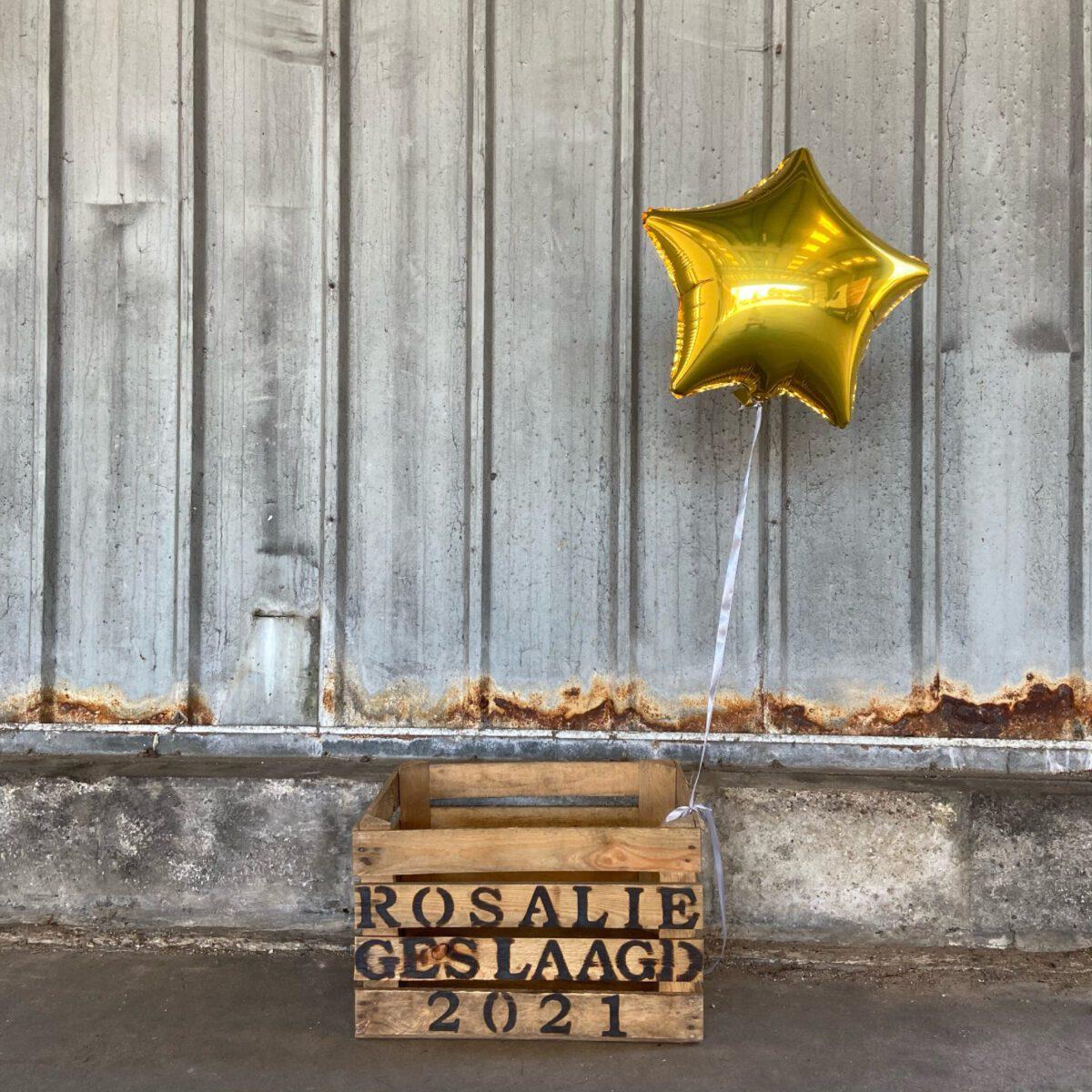 Rosalie geslaagd cadeau houten kist Liefslabel