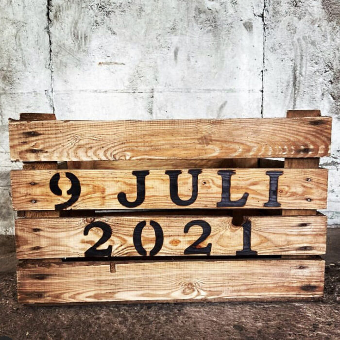 houten kist fruitkist krat met datum trouwdatum liefslabel